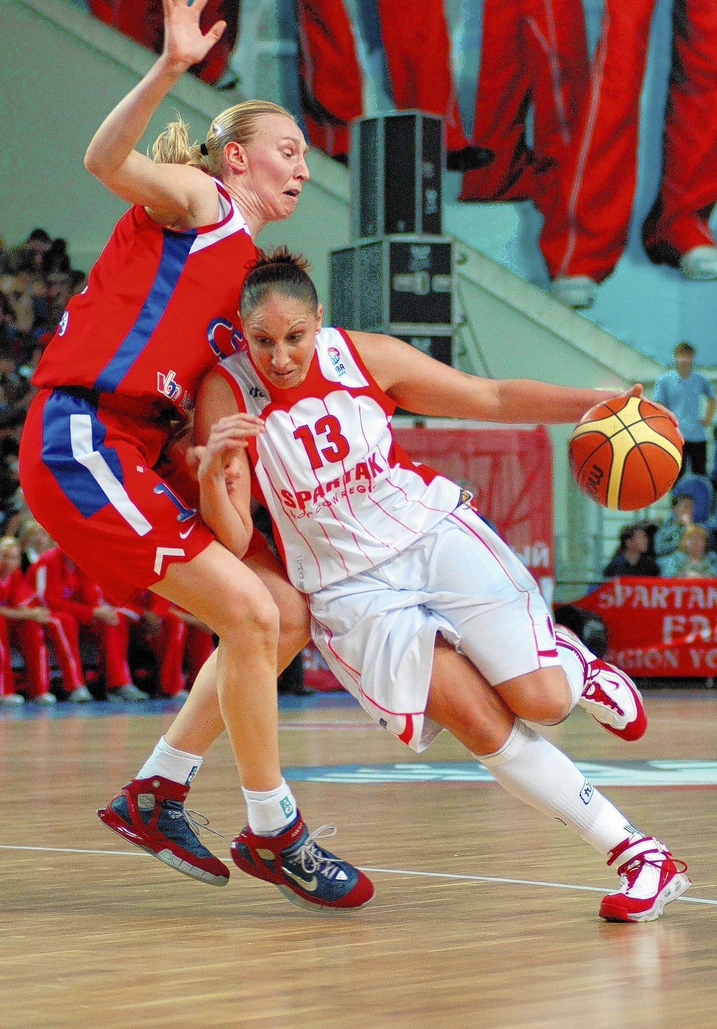 Lucrative Overseas Deals Will Bring WNBA Players To Areas Of Unrest - Hartford Courant