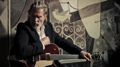 Jeff Bridges embraces the music whenever it hits him