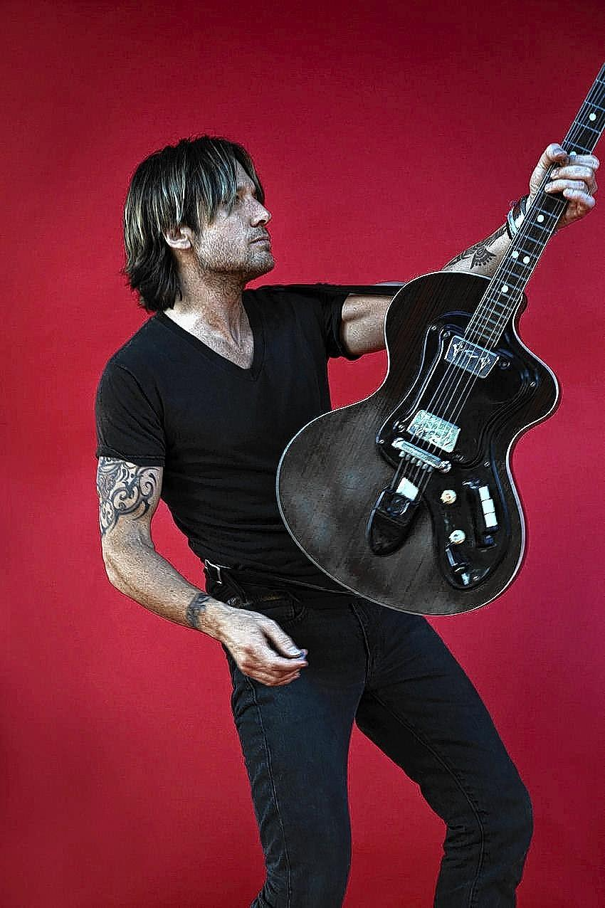 Keith Urban performs at Hartford's Xfinity Theatre on Aug. 16.