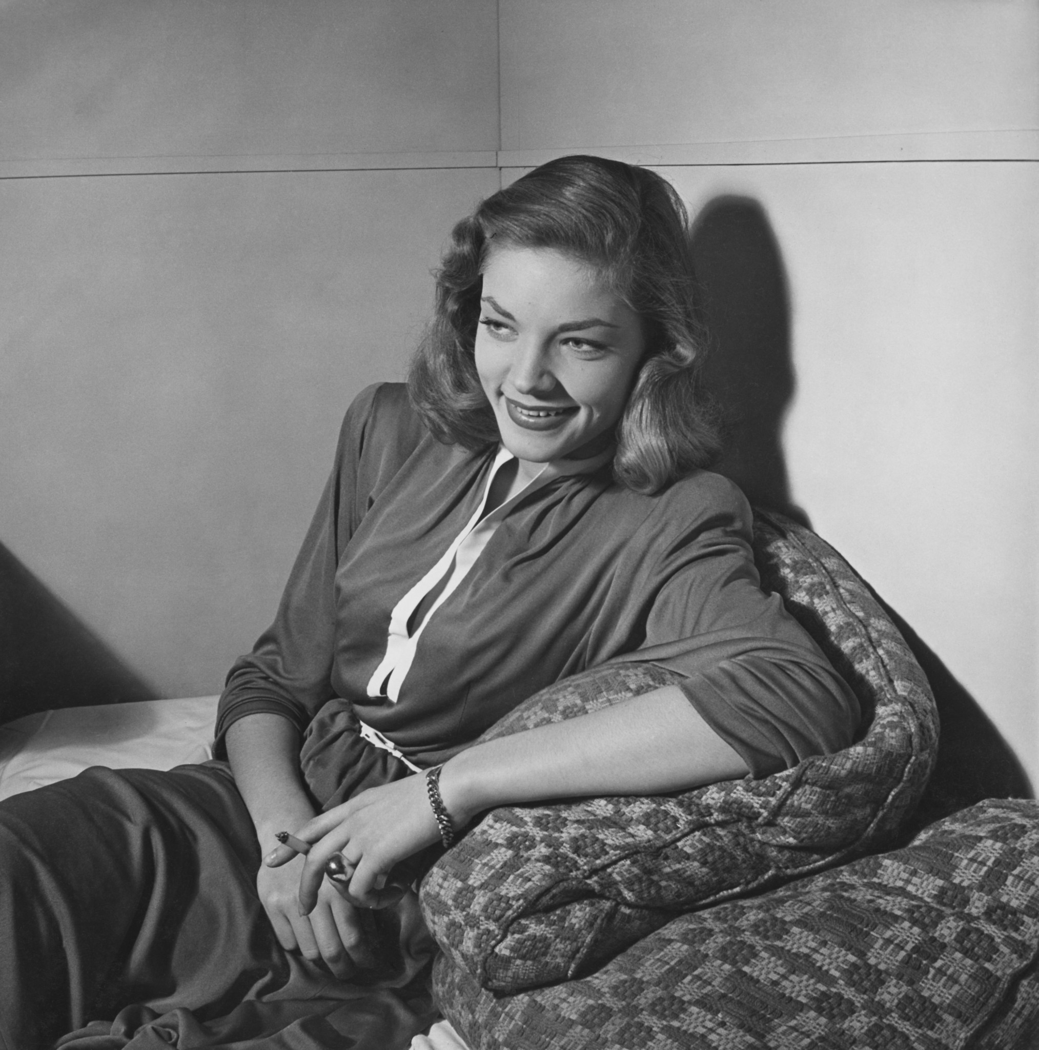 Lauren Bacall A Gaze That Launched A Career Chicago Tribune