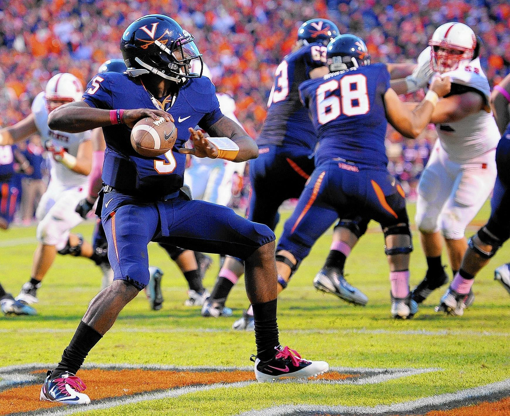 David Watford threw an ACC-high 15 interceptions last season as the starting quarterback for Virginia, which stumbled to a 2-10 record. Illustrates FBC-VIRGINIA (category s), by Mark Giannotto © 2014, The Washington Post. Moved Thursday, Aug. 7, 2014. (MUST CREDIT: Washington Post photo by John McDonnell) ** Usable by BS, CT, DP, FL, HC, MC, OS **