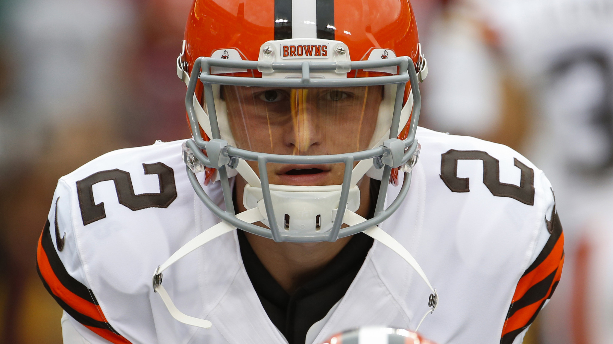 Steelers fans advertise special foam fingers for Johnny Manziel's arrival