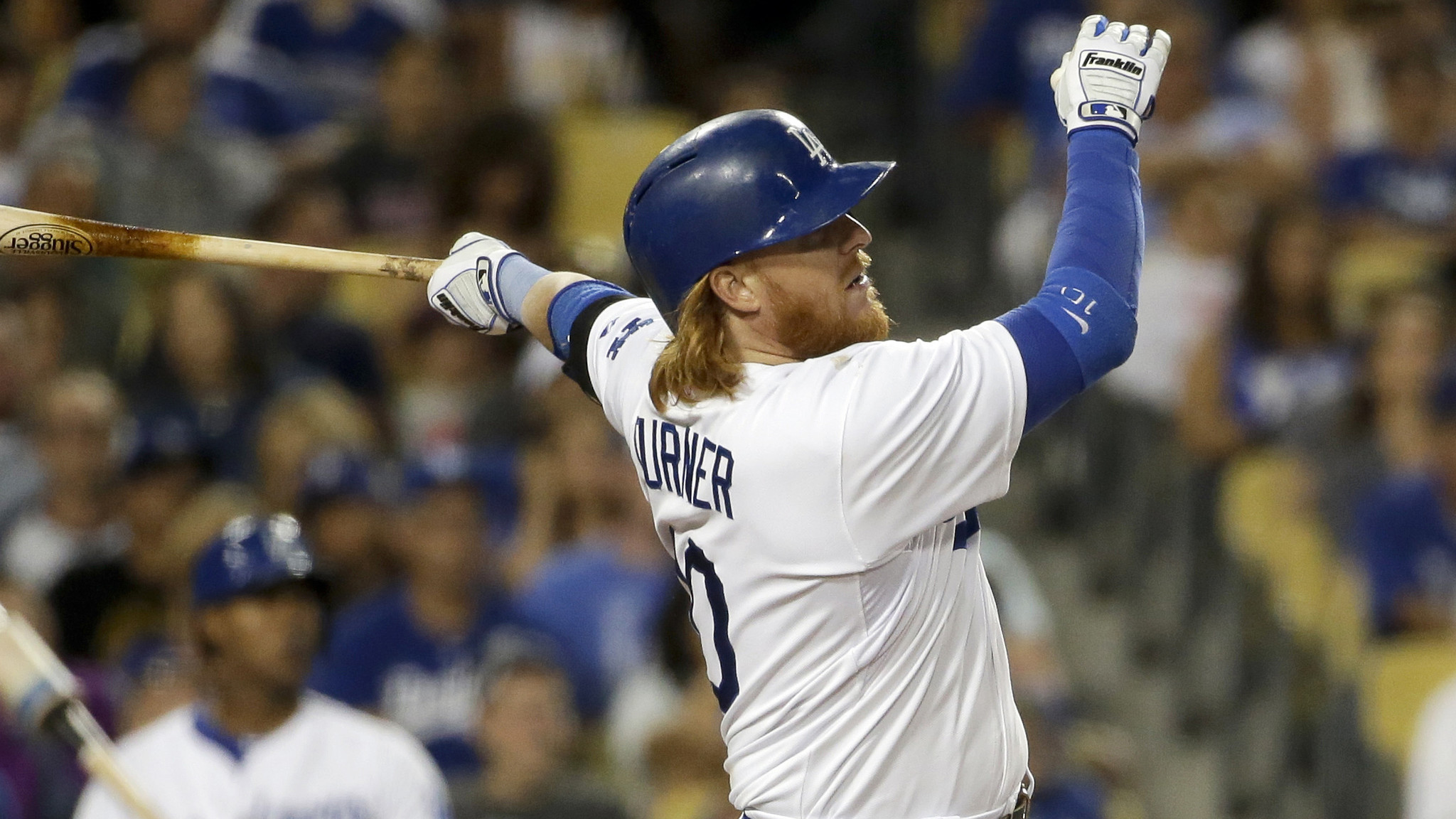 Carl Crawford, Justin Turner lead Dodgers to 8-6 win over Padres