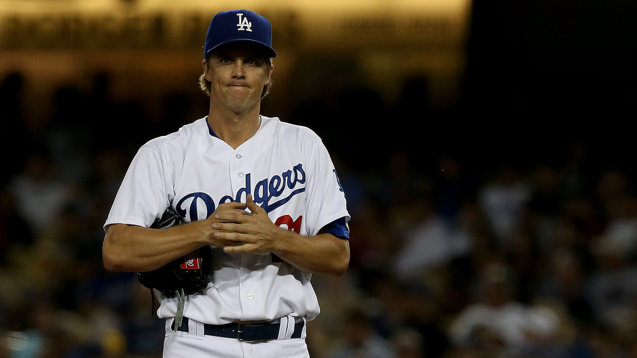 Zack Greinke's elbow becomes a worry for Dodgers