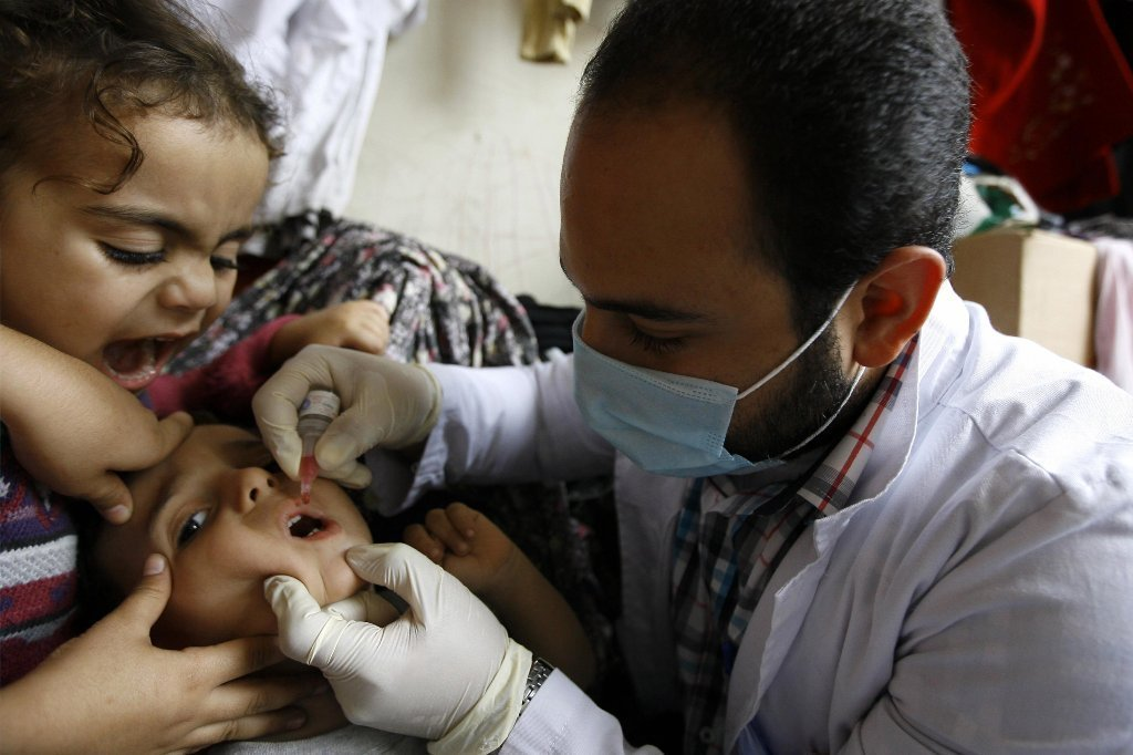To quash polio for good, immunization with both vaccines may be best