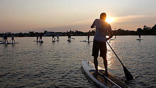 Video: Paddleboard Fitness Class