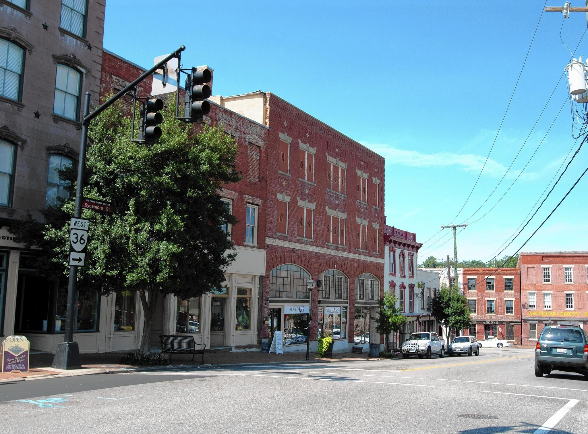 "Old Towne Petersburg 's outstanding stock of period architectural settings has made it a mecca for TV and film productions, including Steven Spielberg's ""Lincoln"" and Meg Ryan's ""Ithaca."""