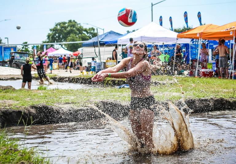 Mudd Volleyball Challange - Orlando - YouTube