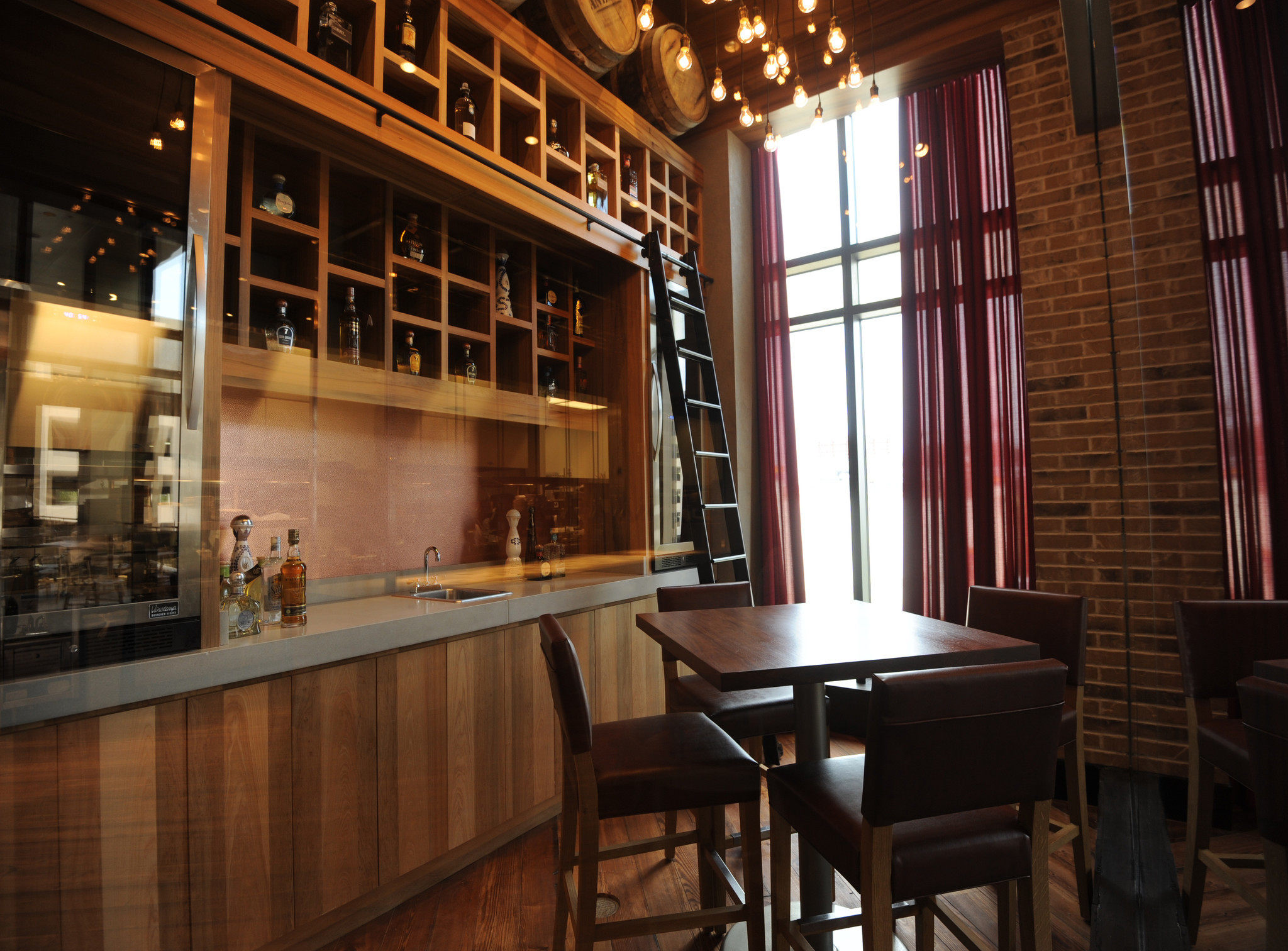 A tequila tasting room baltimore sun for Best private dining rooms in baltimore