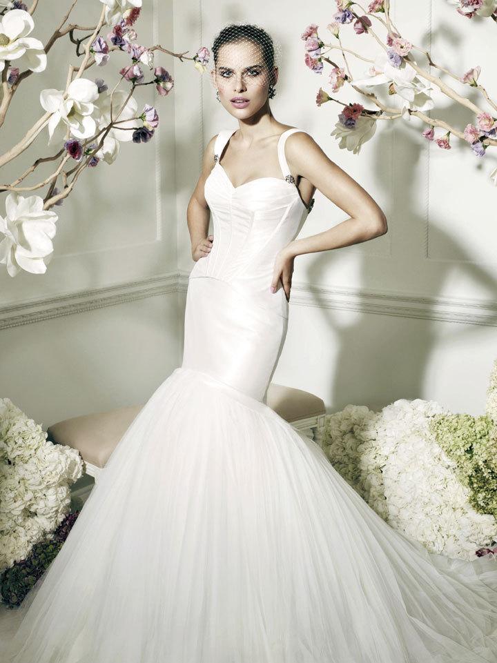 Mismatched Elegance Is Today\'s Twist On Wedding Dresses - Hartford ...
