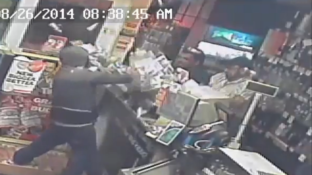 Video: Store Clerks Fend Off Robbers In Bridgeport