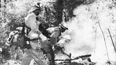 La Cañada History: Firefighters knock down brush fire