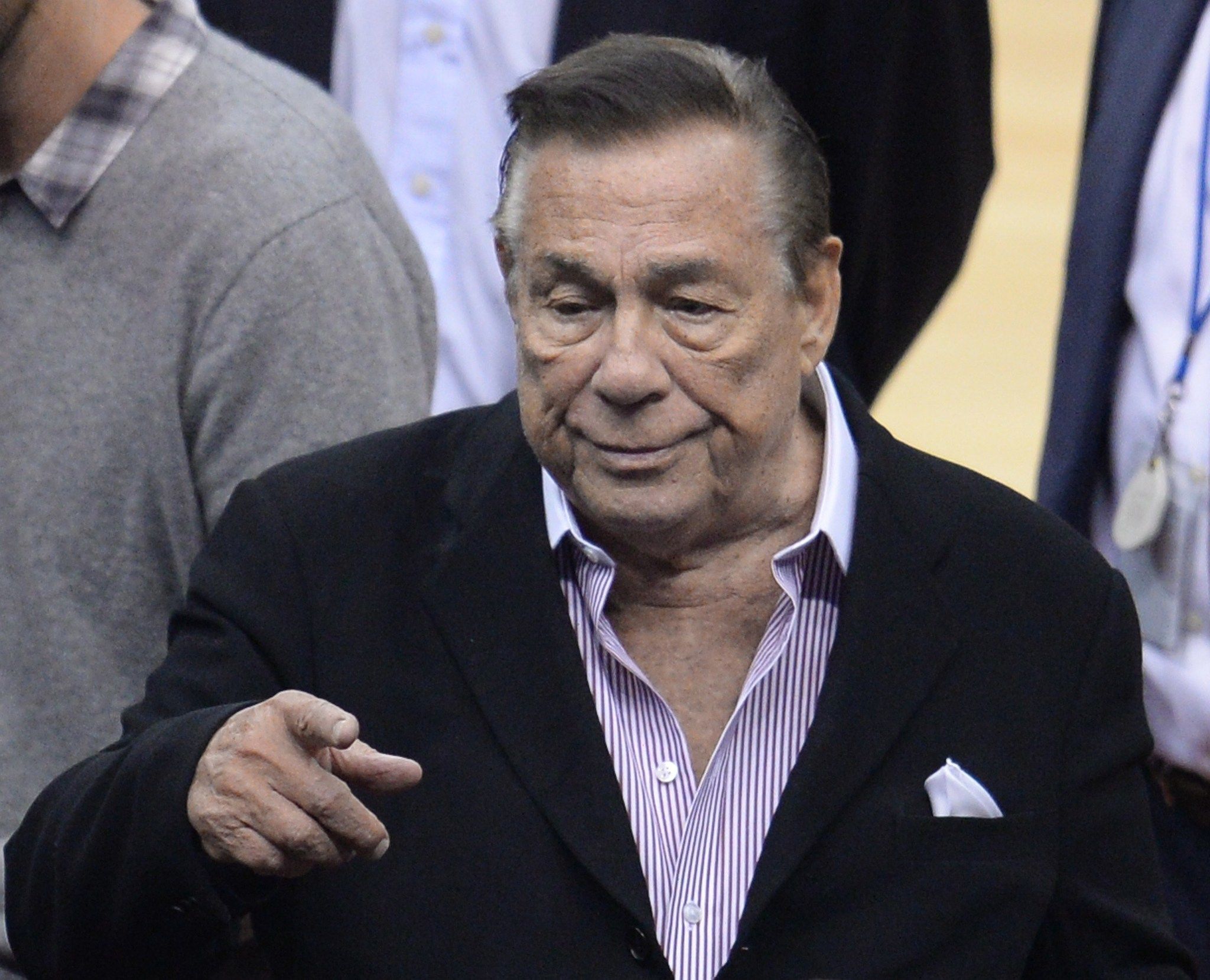 Donald Sterling out of legal options to unwind Clippers' sale