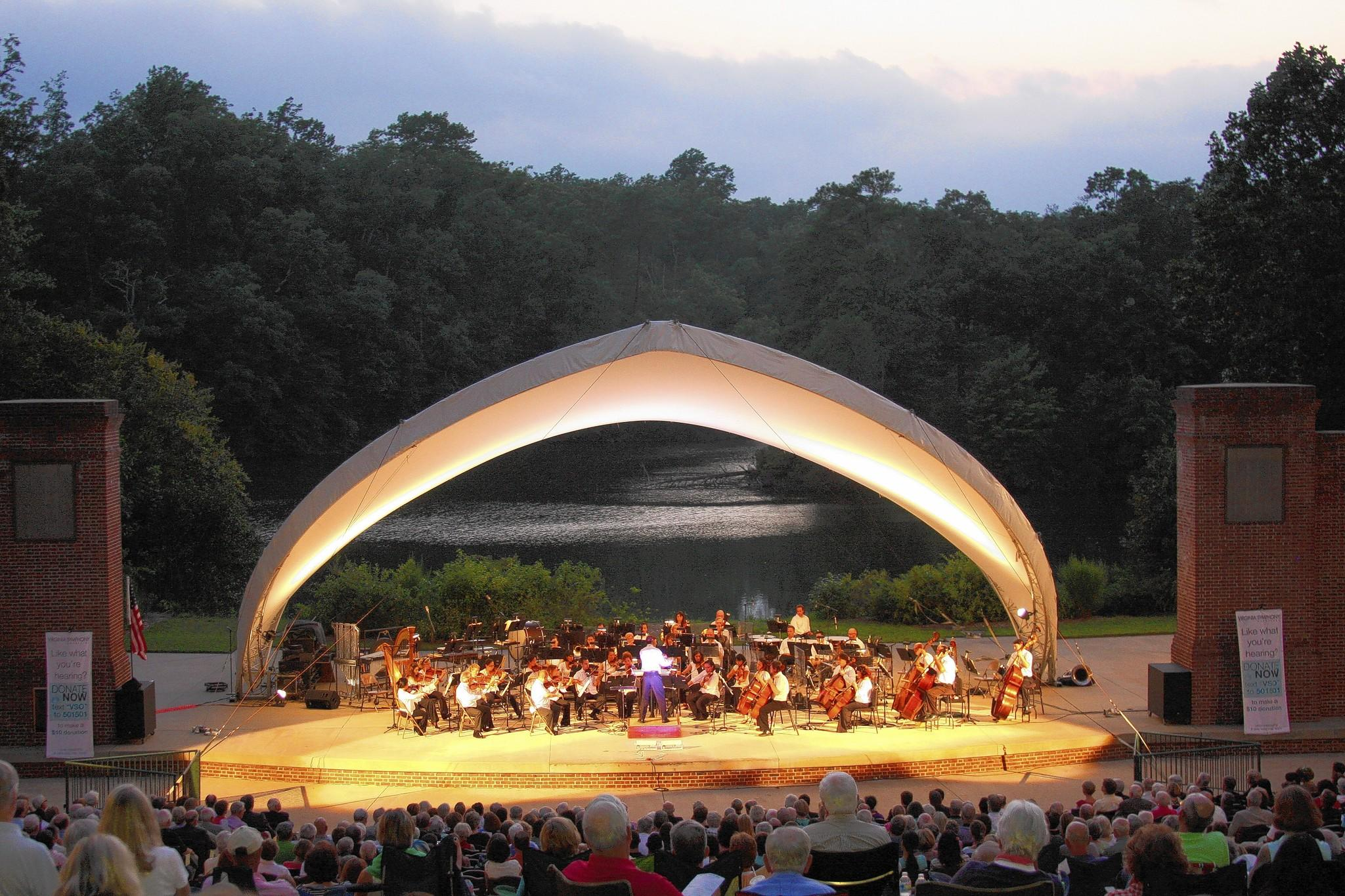 The Virginia Symphony began its series of free outdoor concerts on Thursday, Aug. 28, at the Lake Matoaka Amphitheatre in Williamsburg.