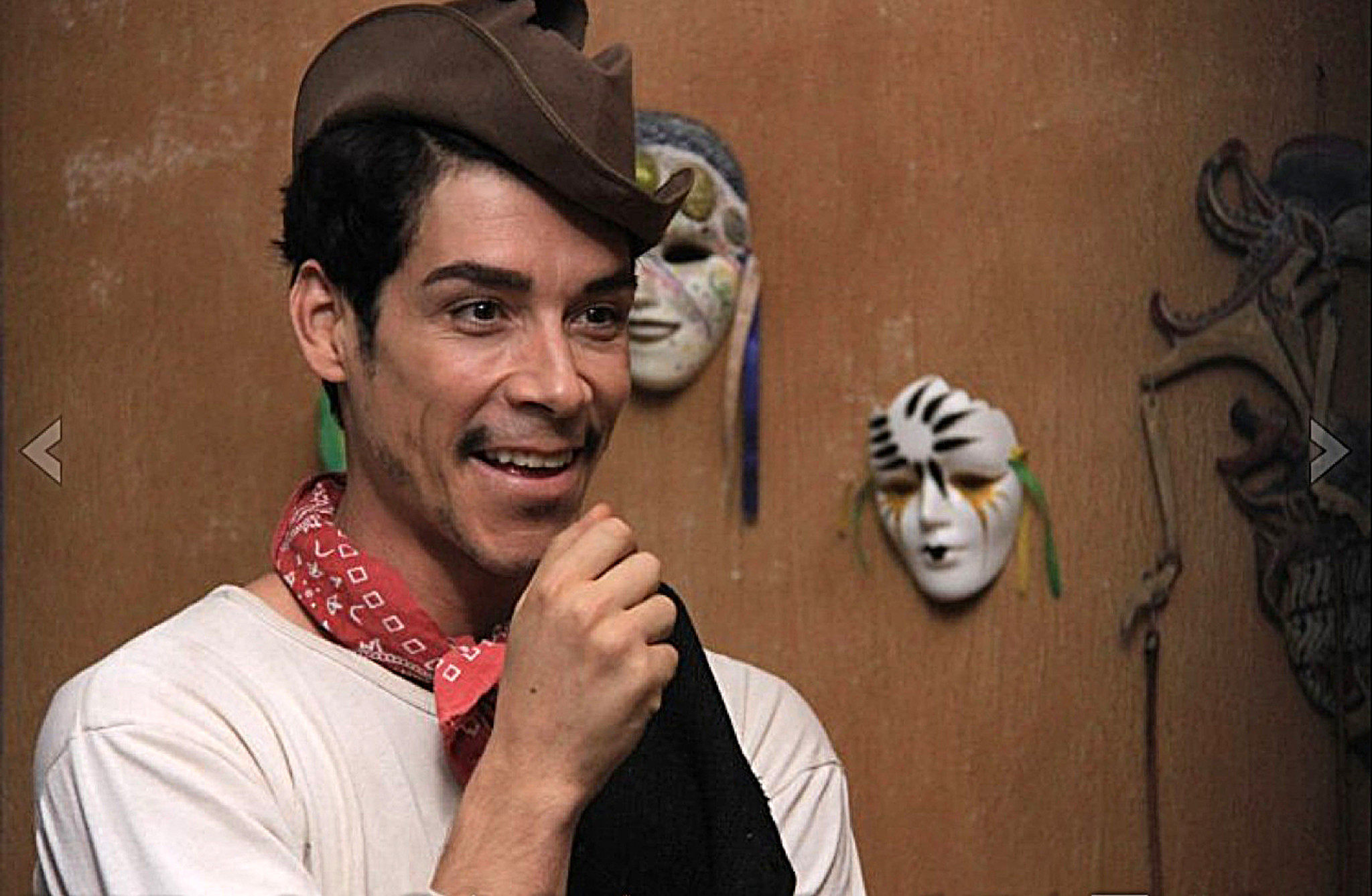 Review: 'Cantinflas' is buoyed by Oscar Jaenada, hampered by Hollywood - LA Times