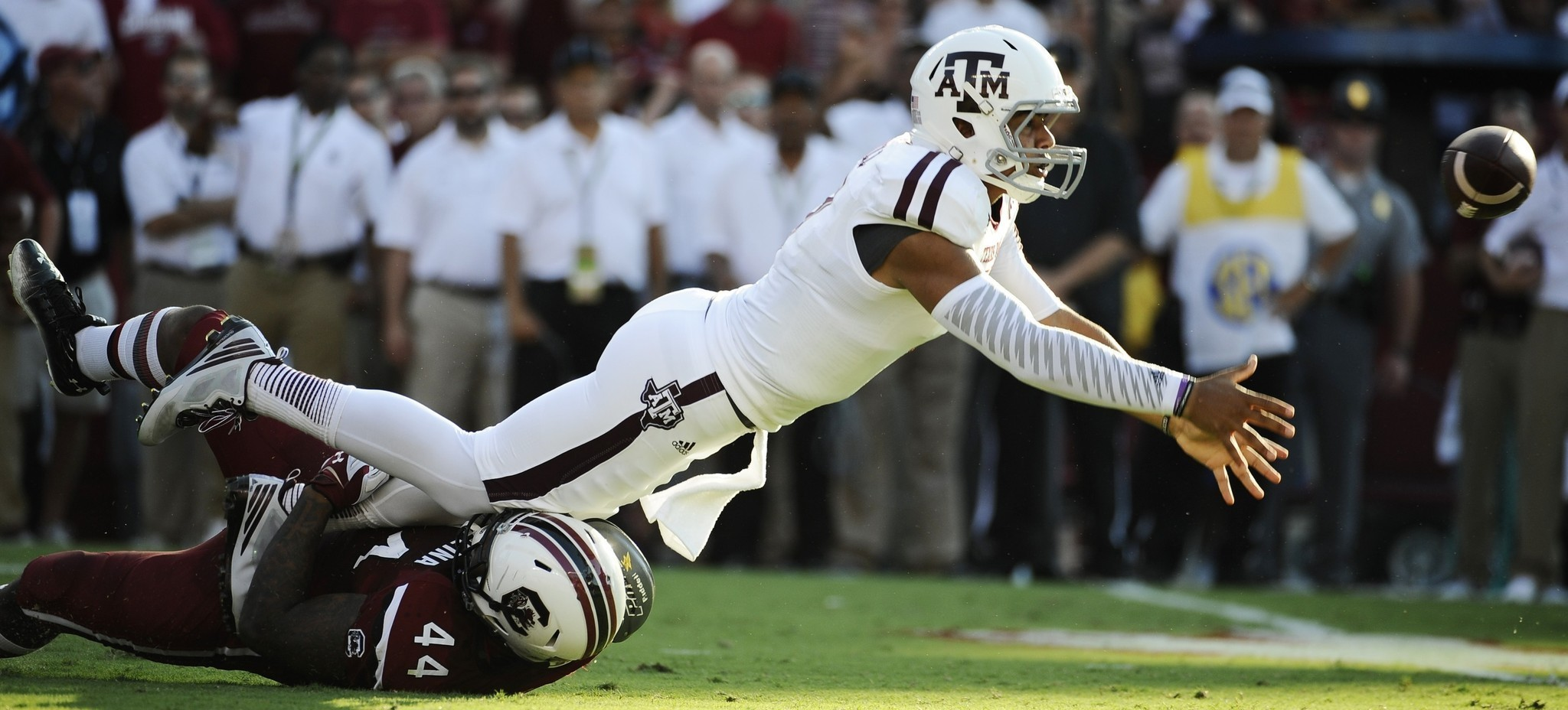 Kenny Hill's record night leads Texas A&M past South Carolina, 52-28