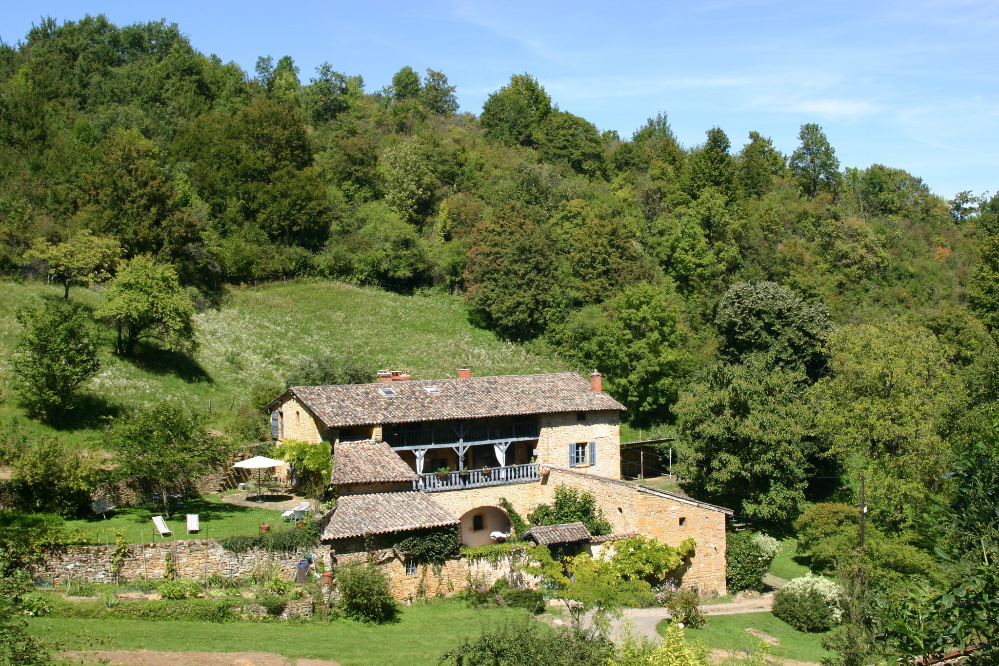 Readers recommend -- France: Wake up in a farmhouse outside Lyon