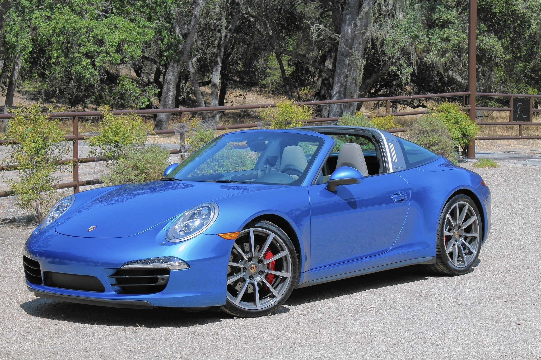 Luxury Review Removable Roof On Porsche 911 Targa 4S Offers Californiacool Factor