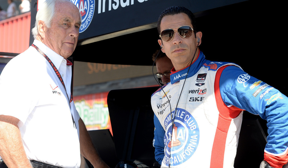 Helio Castroneves wins IndyCar pole at Fontana