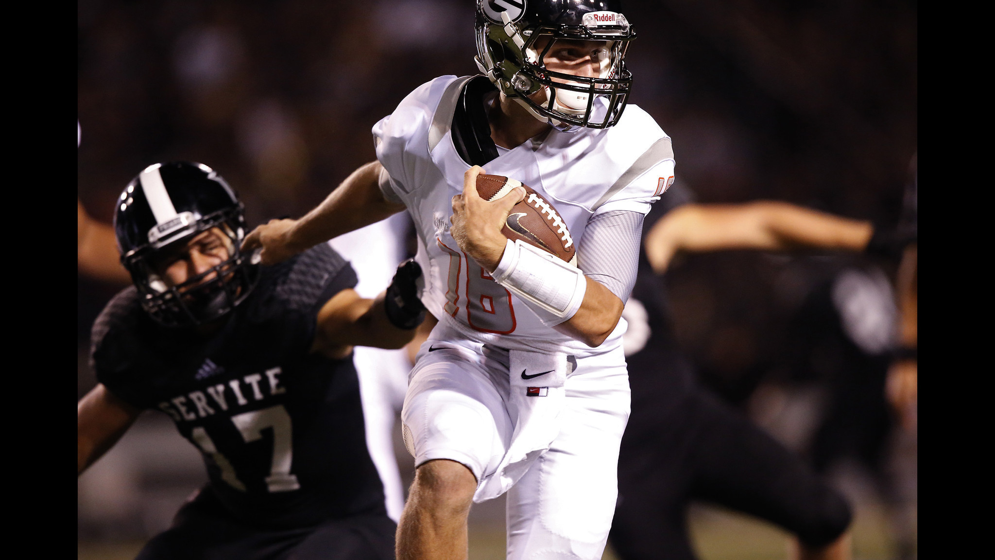 California transfers lead Bishop Gorman past Servite, 48-27