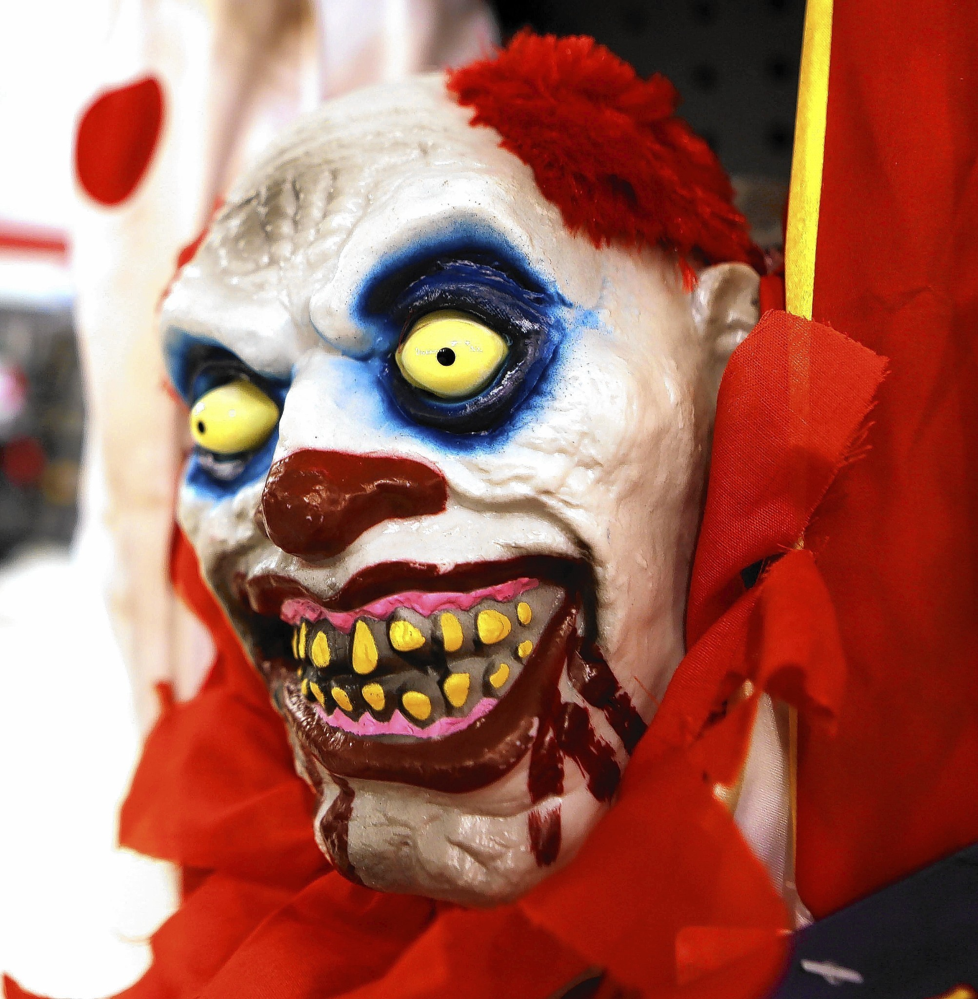 halloween stores get early jump on scary season - orlando sentinel