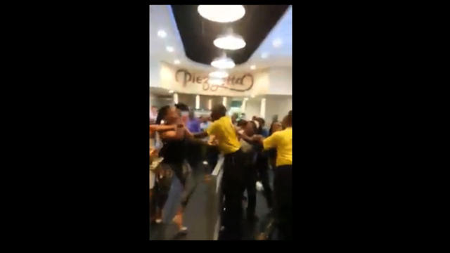 Fight in food court at Horseshoe Casino Baltimore [Video]