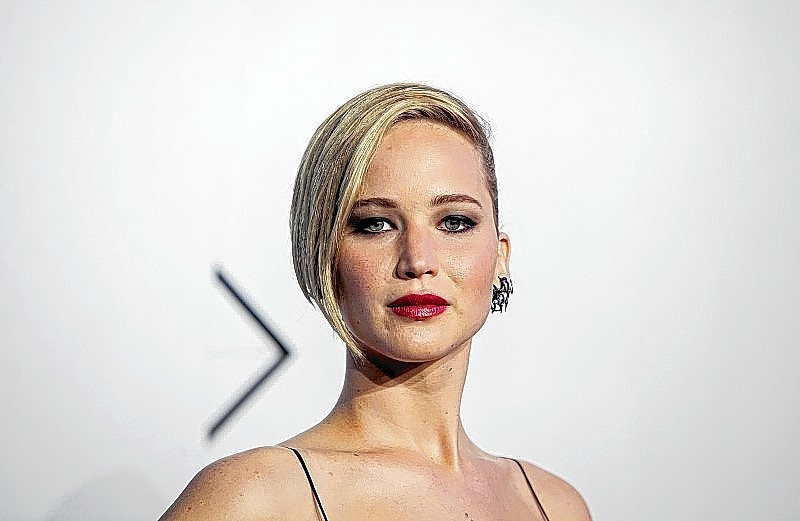 Jennifer Lawrence contacts authorities after nude photos leaked