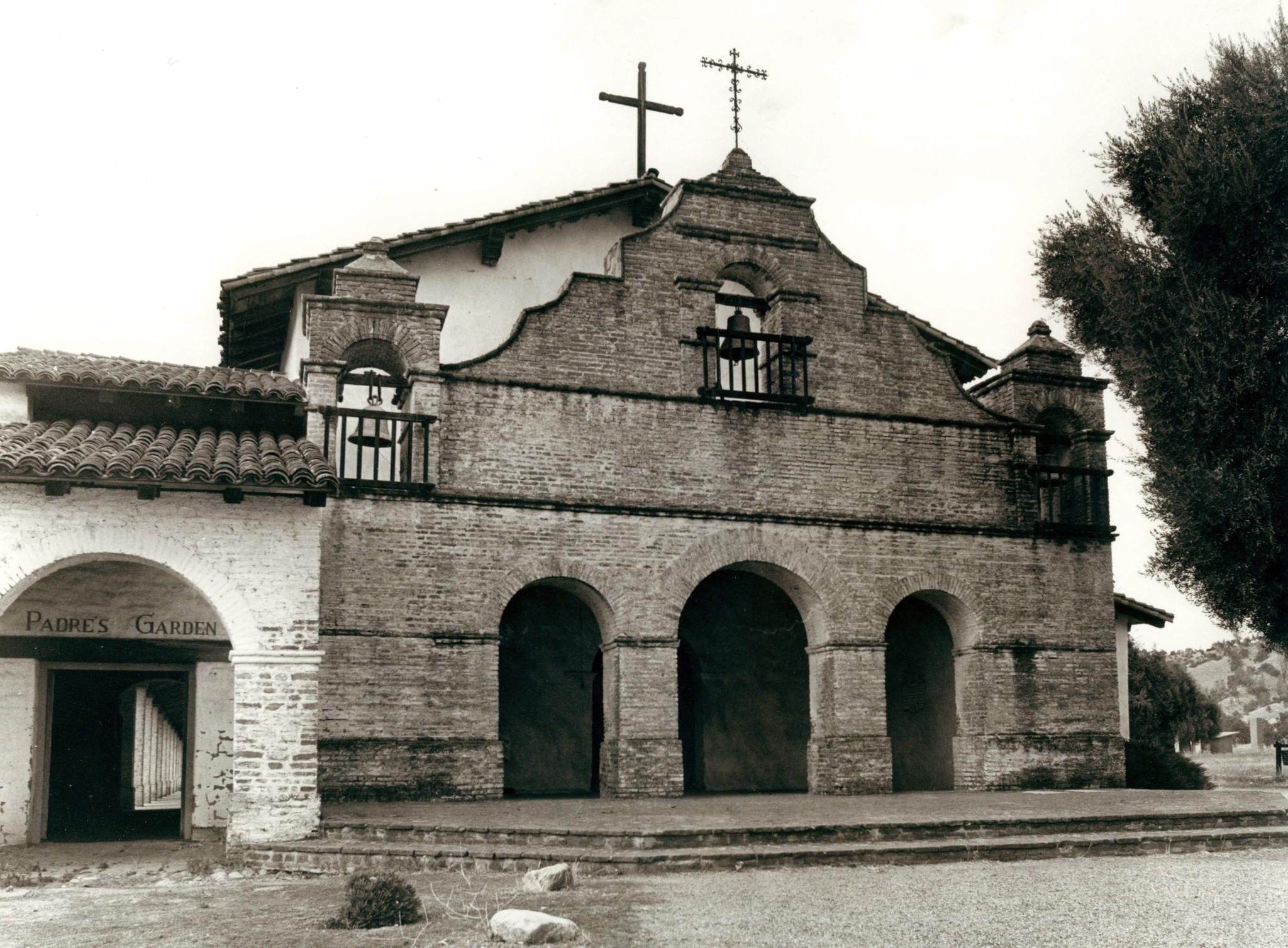 Mission San Antonio de Padua - LA Times