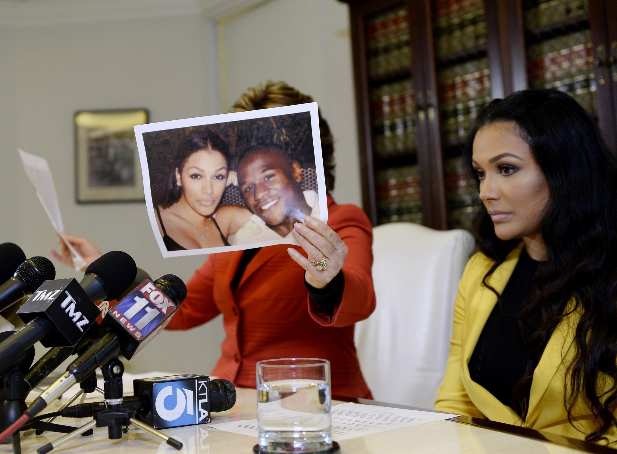 floyd weather jr sued by former fiancee miss jackson la times