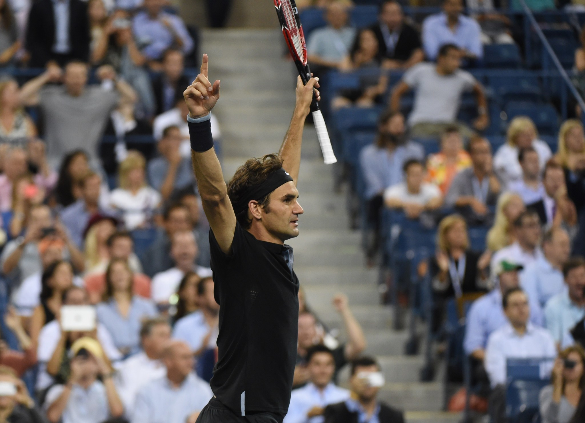 Federer comes back from two sets down to reach semi-finals