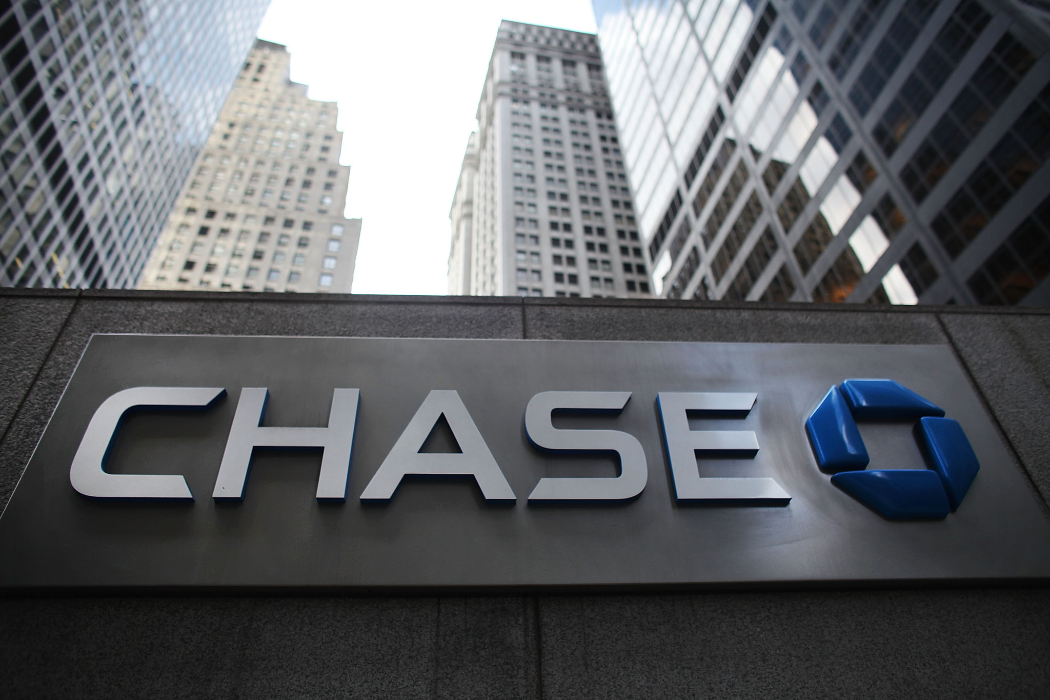 Man gets icy reception from Chase bank - Chicago Tribune