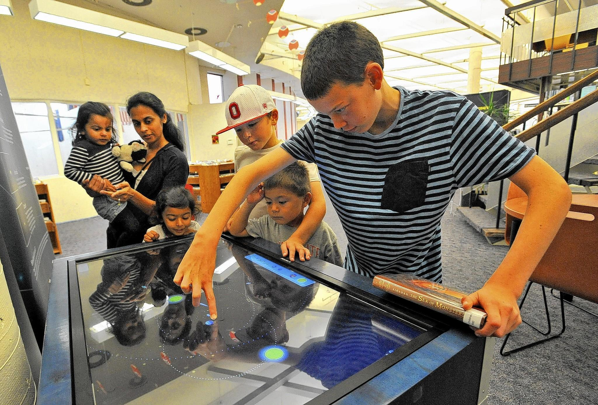 Discover Space is a three-part, interactive learning exhibit presented by the Space Science Institute.