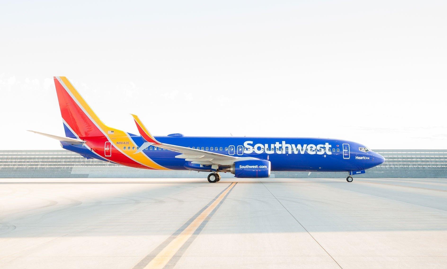 Southwest Airlines Unveils New Aircraft Design Logo La