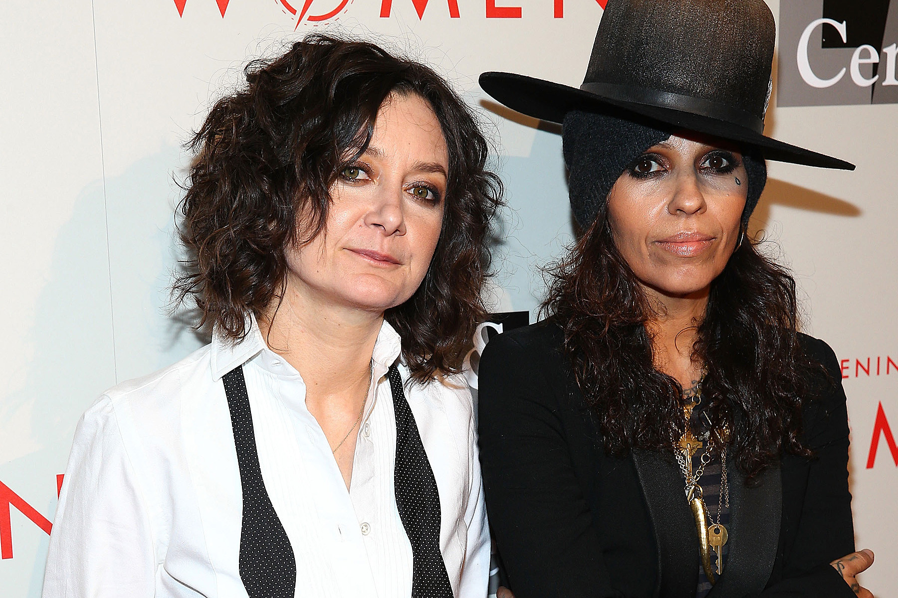 Sara gilbert is pregnant expecting a baby with wife linda perry la