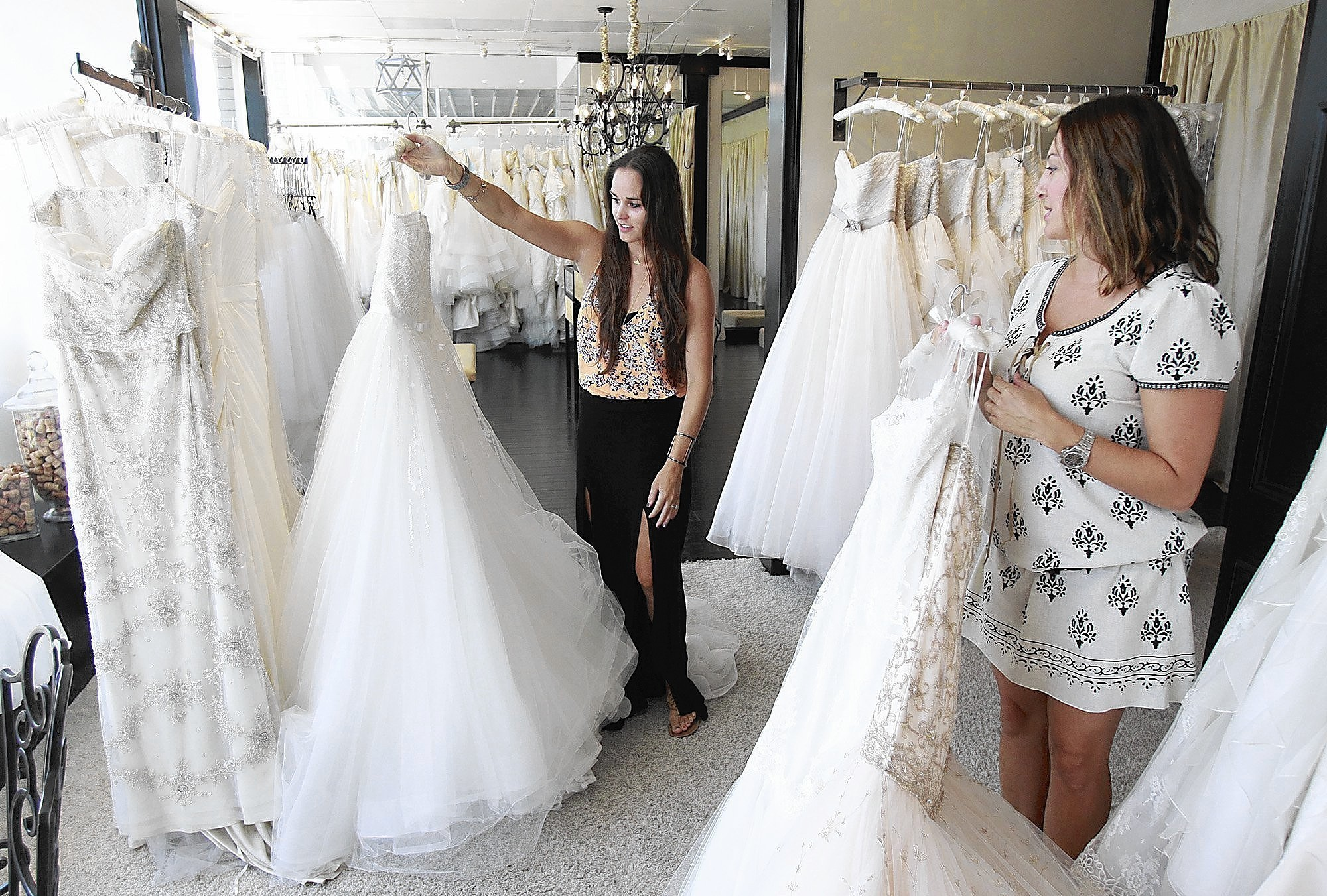 Store 39 s wedding gift to military brides free gowns la times for Free wedding dresses for military brides