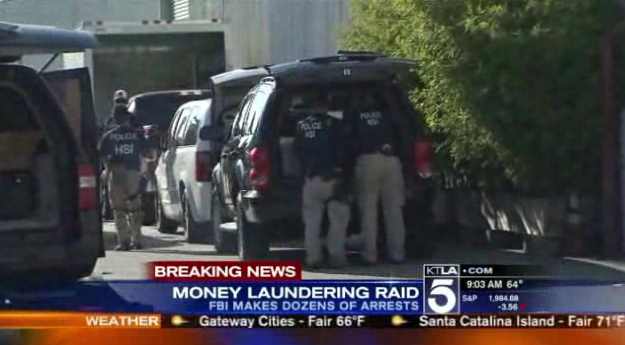 Feds Raid L A S Fashion District In Money Laundering Probe La Times