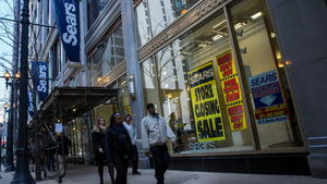 Sears may not have enough cash beyond 2016, Fitch says