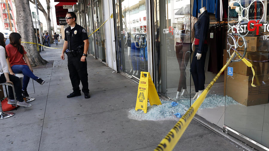 Enforcement Network Imposed New Financial Reporting Rules On 2 000 Businesses Thursday In The Fashion District Of Los Angeles After A Mive Raid Last
