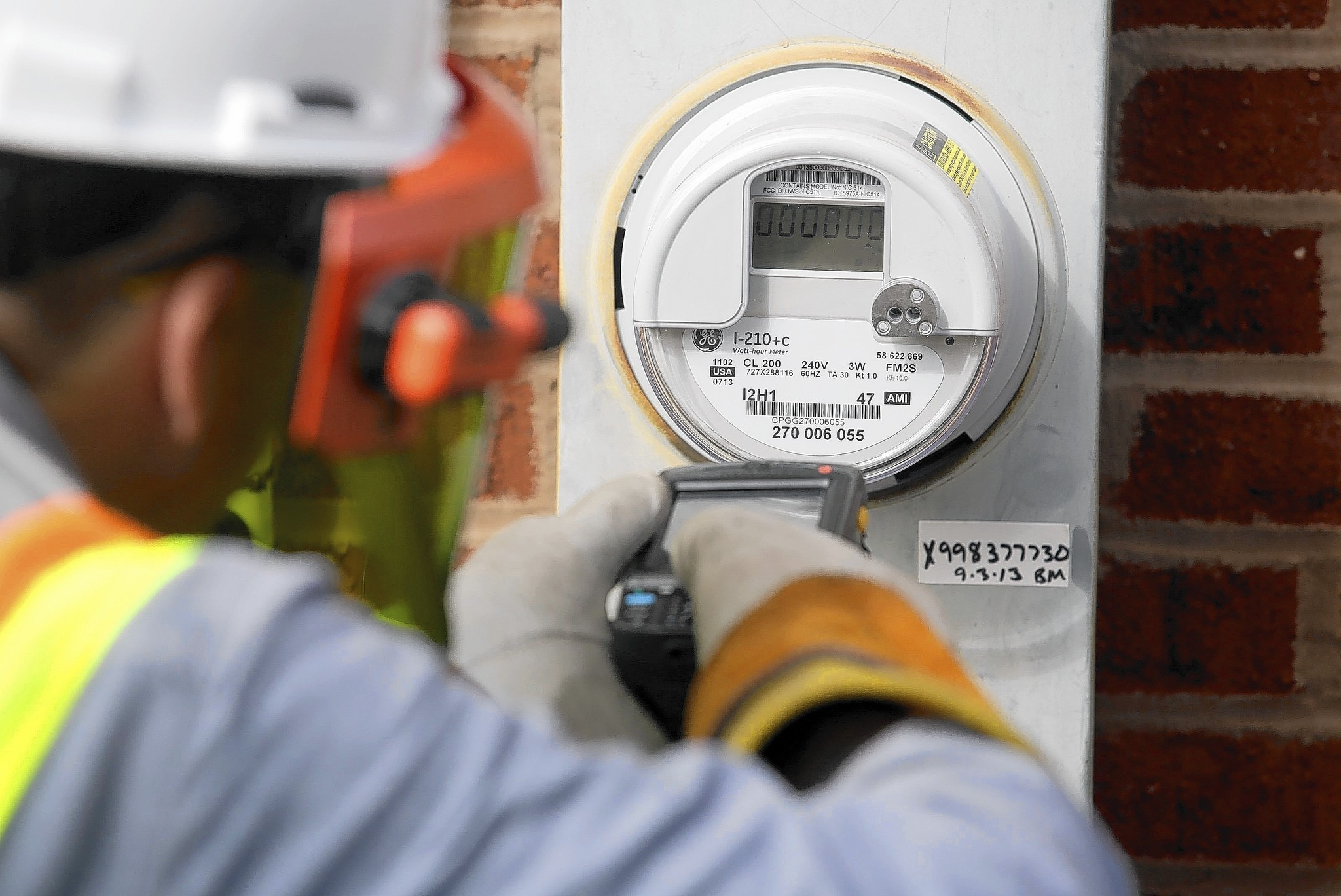 Increasing Electricity Meter : Comed closely guarding smart meter data chicago tribune