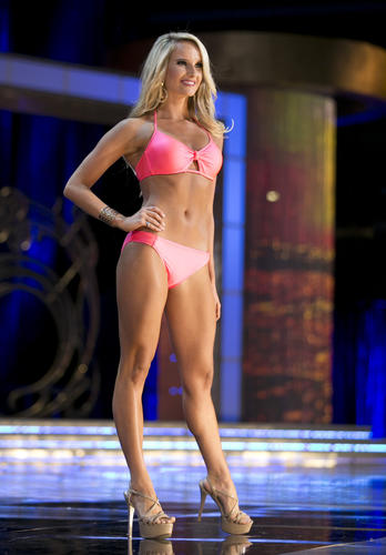 On the third night of preliminary competition during the Miss America 2015 pageant, Miss Maryland Jade Kenny won the Lifestyle and Fitness category and a $1,000 scholarship.