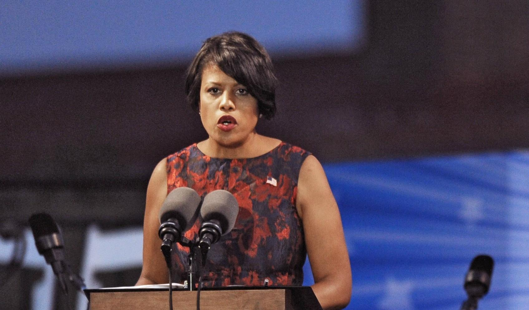 Mayor Stephanie Rawlings-Blake delivers remarks Saturday evening at Ft. McHenry.