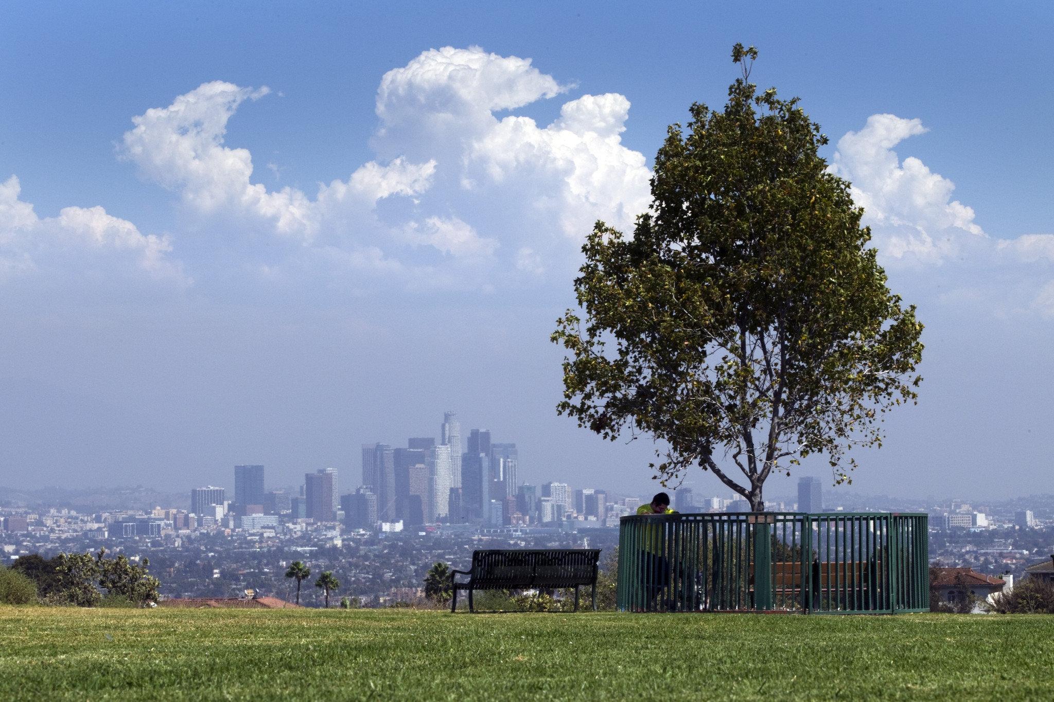 Power grid groans, blackouts roll through L.A. area as heat wave nears peak