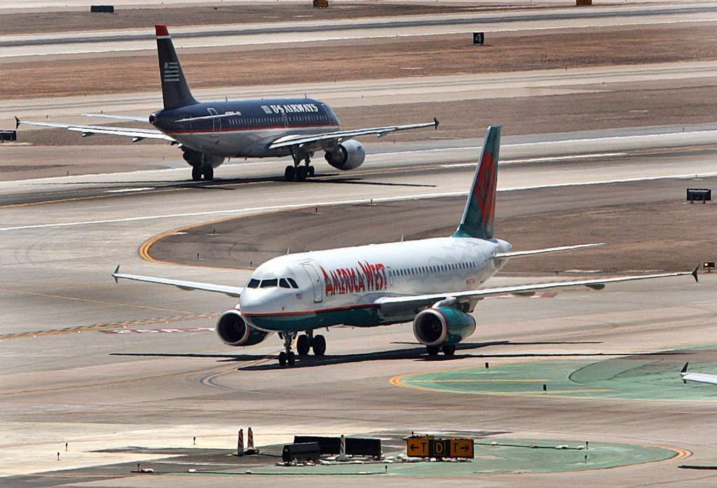 Police capture suspect at Phoenix airport; terminal reopens