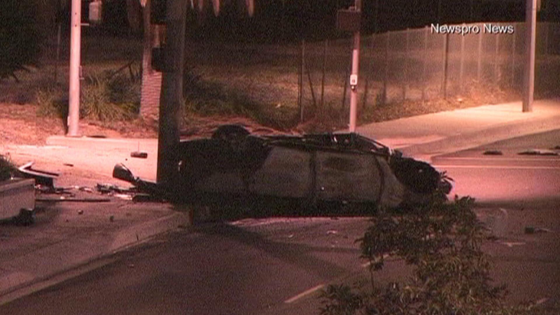 Unlicensed teenage driver loses control, 2 passengers killed in crash