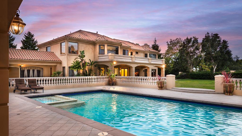 Home of the day mediterranean villa in camarillo la times for Villas mediterranean