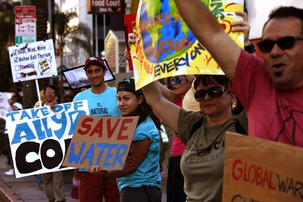 Hundreds protest climate change along 2 miles of Wilshire Boulevard