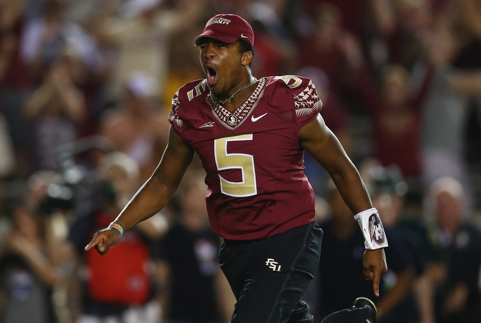 Jimbo fisher miscommunication prompted jameis winston to wear full