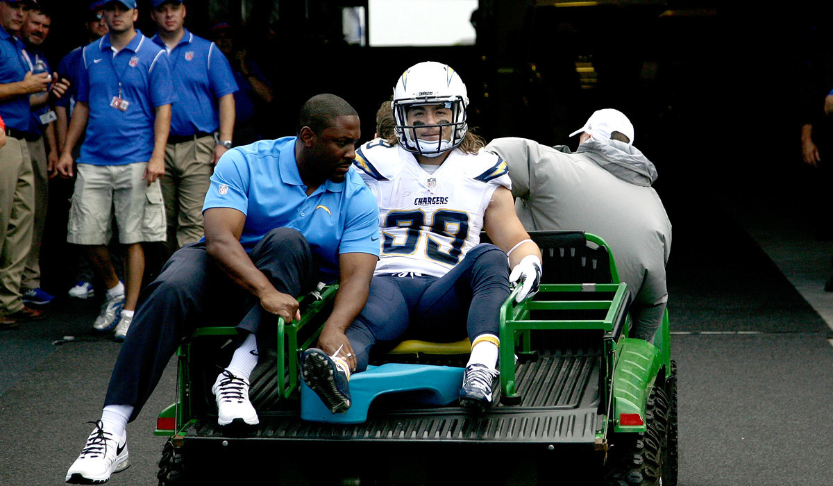 Chargers' Danny Woodhead is lost for season with broken leg