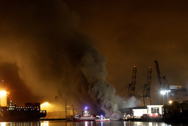 Port of Los Angeles fire threatens warehouse and ship