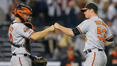 Orioles hit three HRs, hang on for 5-4 victory over the New York Yankees